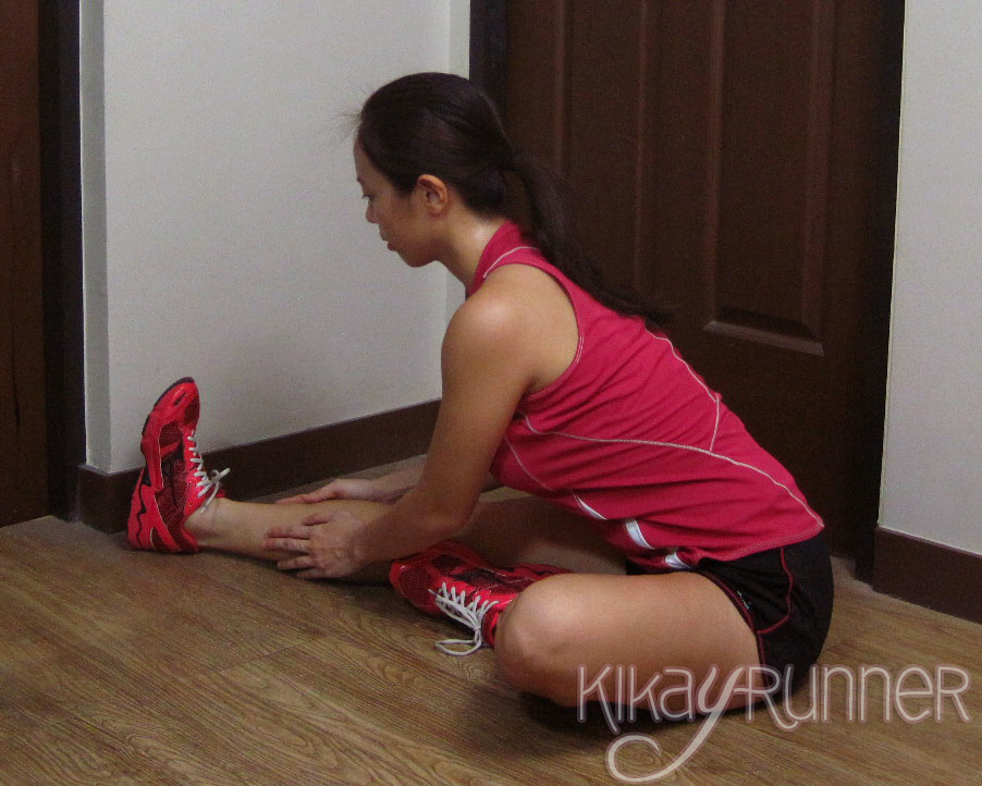 8 Great Post-Race Stretches: Seated Hamstring