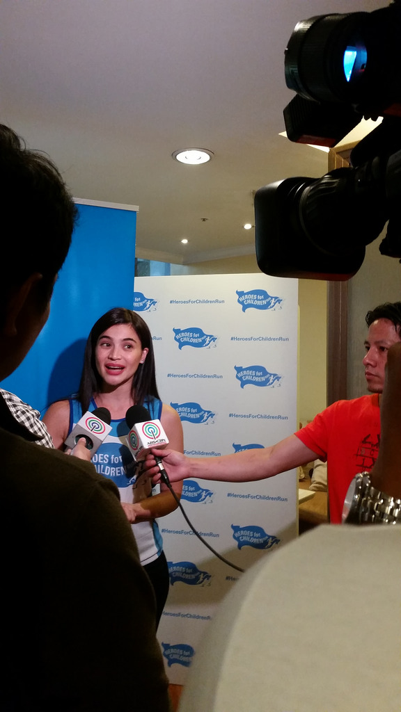 Heroes for Children Run with Anne Curtis